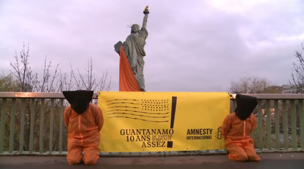 Amnesty-international-Paris-guantanamo