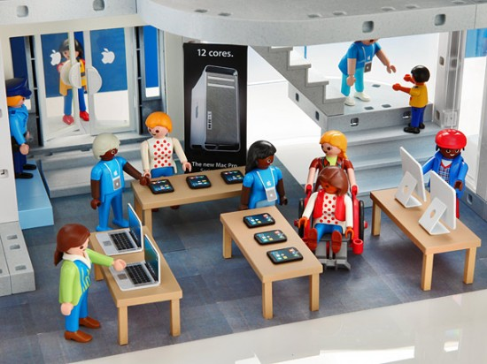 sales-floor-playmobil-apple-store