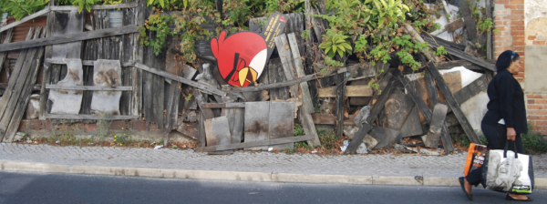 angry-birds-street-art-outdoor-publico-ambient-guerilla-marketing-tbwa-lisbonne-lisboa-1-600x224