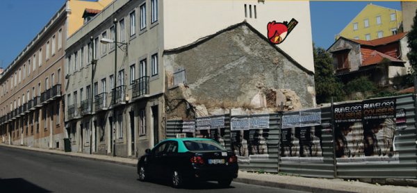 angry-birds-street-art-outdoor-publico-ambient-guerilla-marketing-tbwa-lisbonne-lisboa-2-600x278