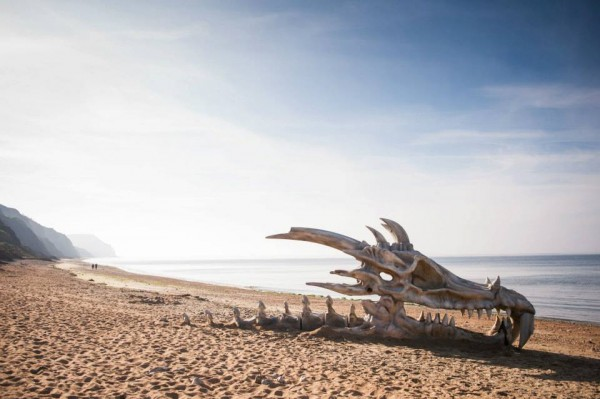 skull-ambient-marketing-dragon-season-3-england