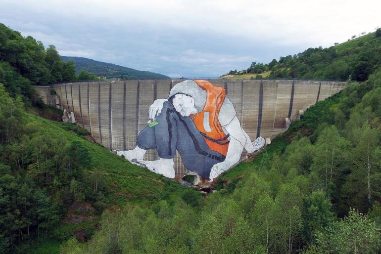 Le Naufrage de Bienvenu – A Giant refugee on the Piney's dam