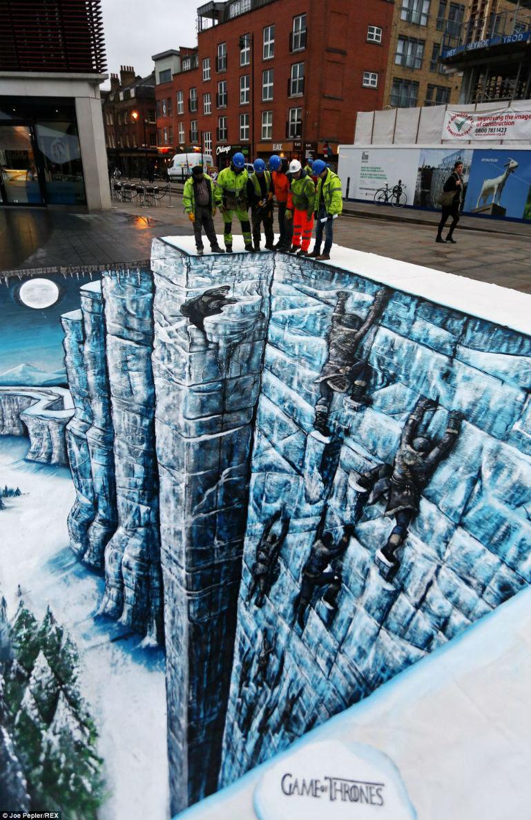 Incredible 'Game of Thrones' Season 3 3D Floor Art in London -  #ScaleTheWall