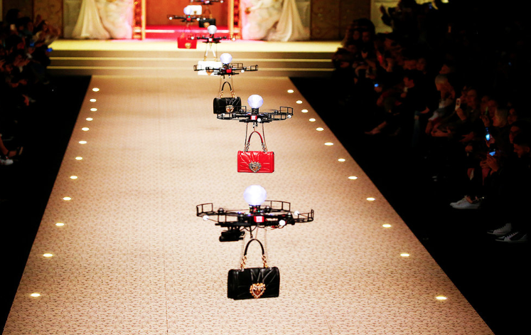 Dolce & Gabbana: Drones 'model' on Milan  Fashion Week
